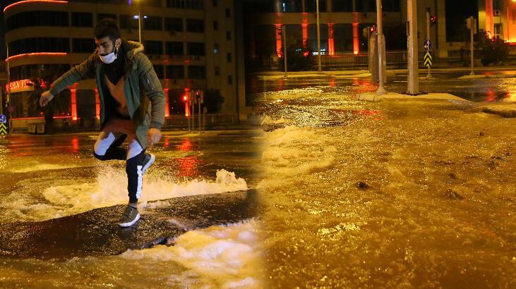 Patlayan su borusu caddeleri göle çevirdi
