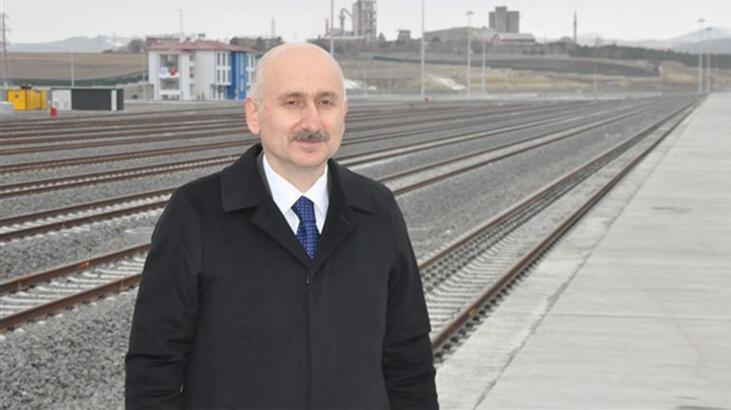 Bakan Karaismailoğlu Kars Lojistik Merkezi'nde incelemede bulundu