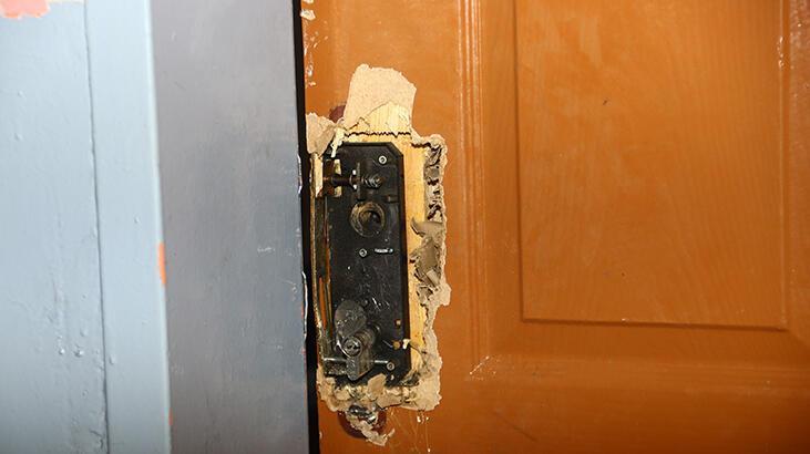 Kapısını kırdıkları okulun malzemelerini çaldılar!