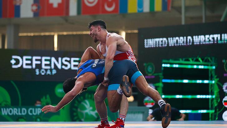 Milli güreşçi Cengiz Arslan, Dünya Kupası'nda bronz madalya  kazandı