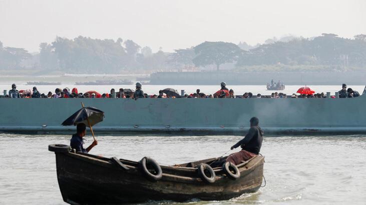 Arakanlı mültecileri taşıyan teknedeki şiddetin görüntüleri ortaya çıktı