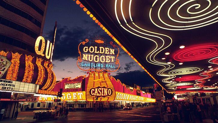 Çölün ortasında bir eğlence vahası Las Vegas