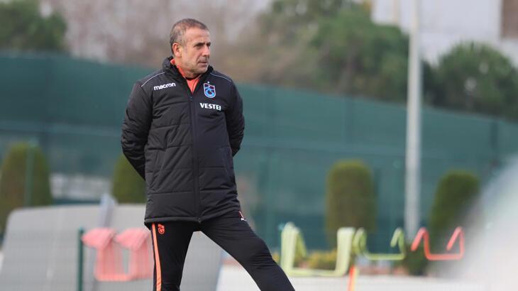 Trabzonspor'da gözler Süper Lig'e ve ara transfere çevrildi