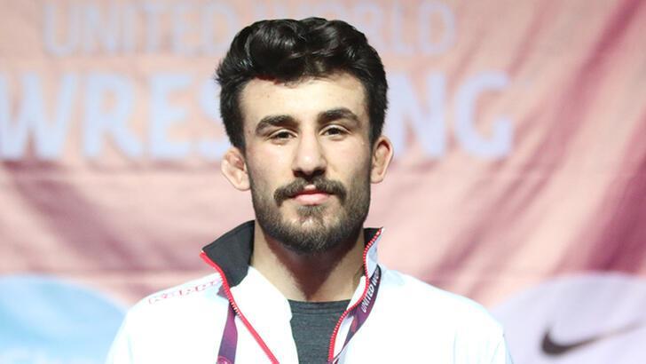 Milli güreşçi Erhan Yaylacı'dan bronz madalya!