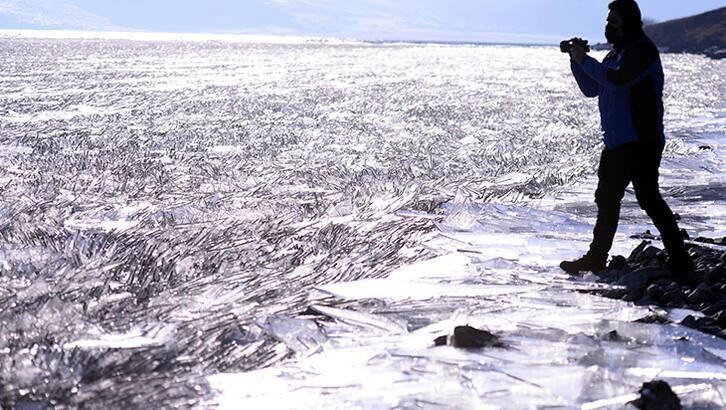 Çıldır Gölü'nde kutupları aratmayan görüntüler