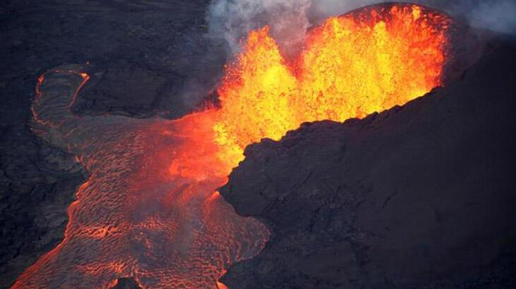 Kırmızı alarm verildi... Kilauea Yanardağı'nda patlama!