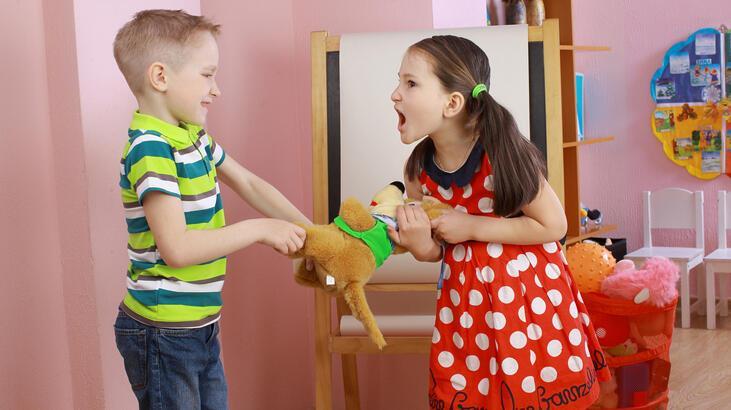 Çocuklarda Kardeş Kavgası Ve Kardeş Kıskançlığı Nasıl Giderilir?