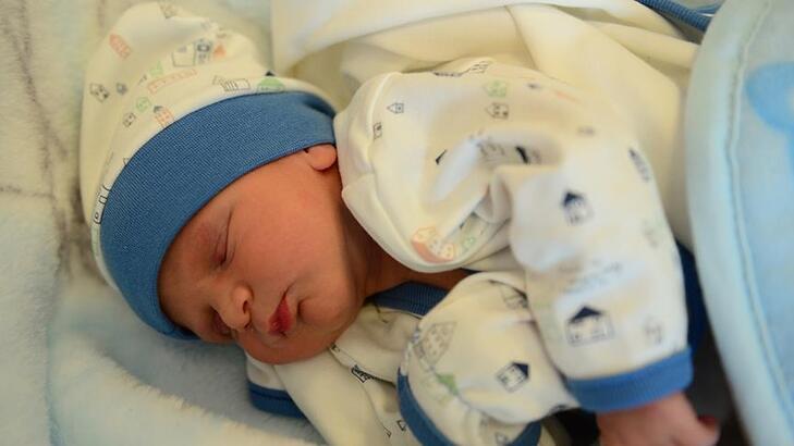 Bebeklerde Kolik Belirtileri Nelerdir? Kolik Sancısı Nasıl Geçer?