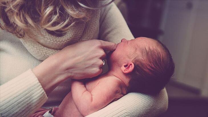 Bebeklerde Göz Çapaklanması Neden Olur, Ne İyi Gelir? Çay Pansumanı Faydalı Mıdır?