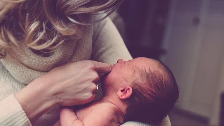 Bebeklerde Soğuk Algınlığı Nasıl Geçer? Ateş Ve Üşütme İçin Doğal Tedavi Yöntemleri