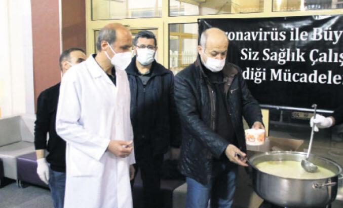 Pandemi savaşçılarına sıcak çorba ikramı