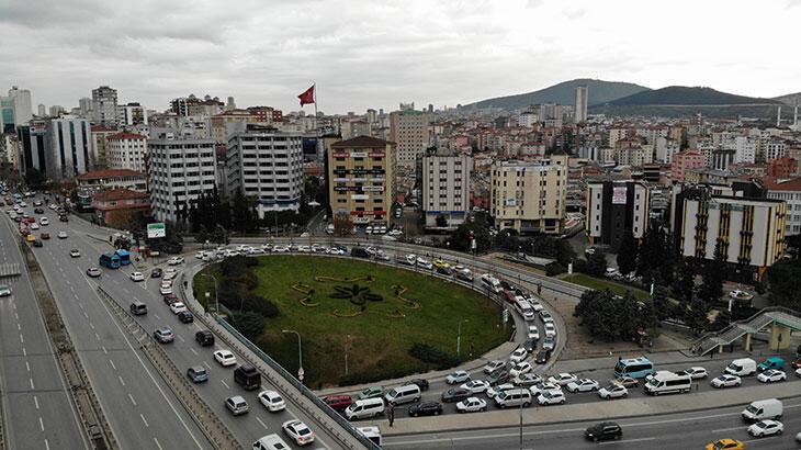 Kadıköy'de polis alarma geçirdi: Trafik felç oldu