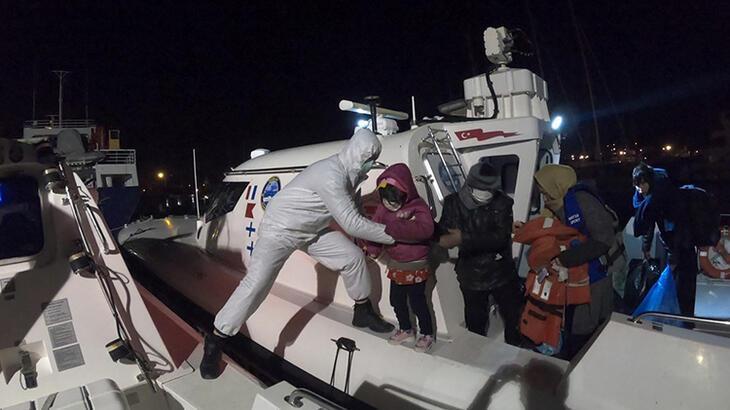 İzmir'de 56 göçmen kurtarıldı!