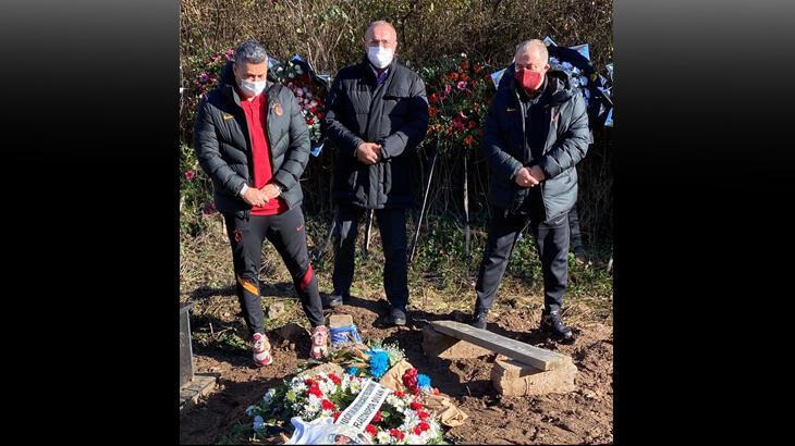 Albayrak, Terim ve Şahin, Özkan Sümer'in mezarını ziyaret etti