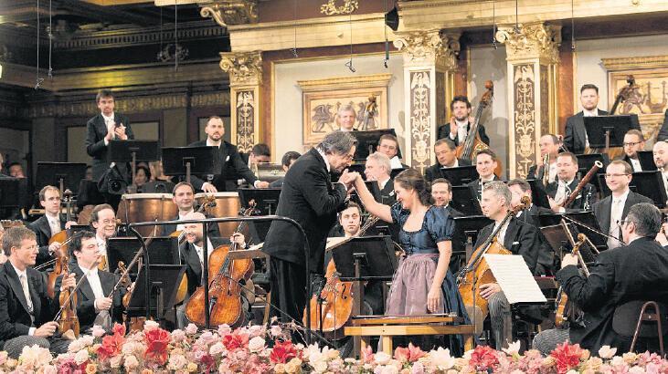 Viyana Filarmoni'den dinleyicilere jest