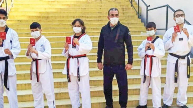 Yunusemre'de 5 sporcu siyah kuşağa terfi etti