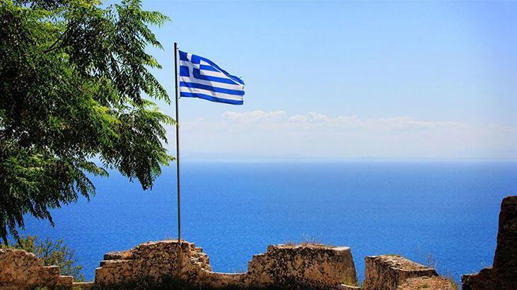 Yunanistan, İyon Denizi'nde kara sularını 12 mile çıkardı