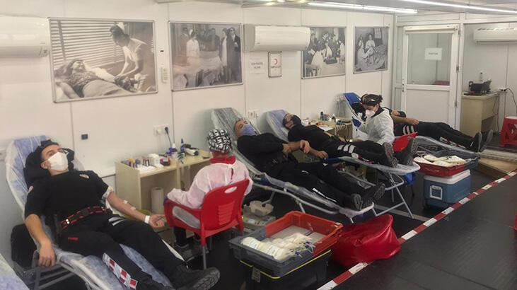 Biga'da emniyet mensuplarından kan bağışı kampanyasına destek
