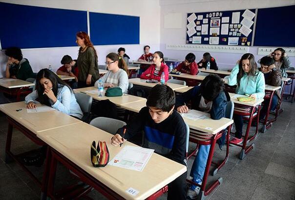 Son dakika haberi! Uzaktan eğitim uzatıldı mı? Okullar ne zaman açılacak, ikinci dönem okullar açılıyor mu?