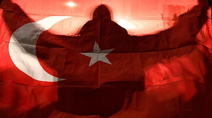 Türkiye'nin baskısına dayanamadı... Tarihi uçuş!