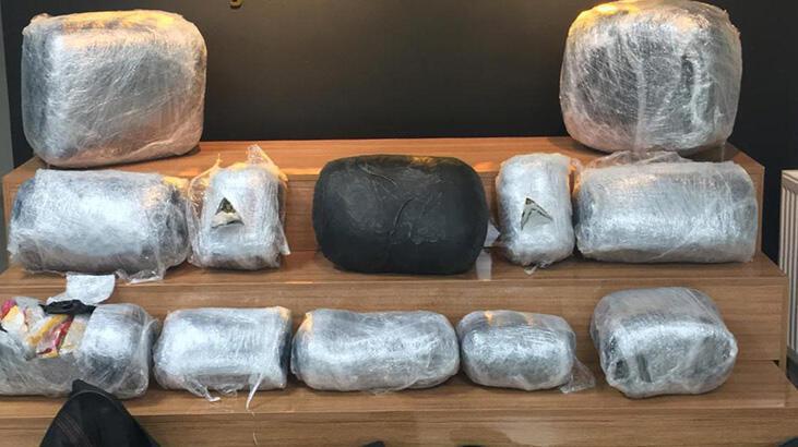 Şanlıurfa'da bir TIR'da 66 kilogram uyuşturucu ele geçirildi