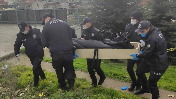 Bağcılar'da boş arazide erkek cesedi bulundu!