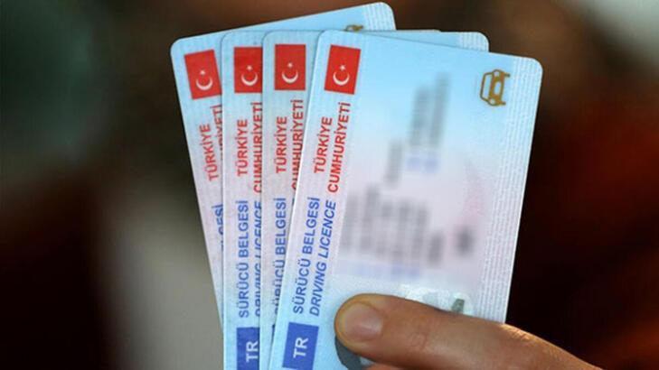 Son dakika: Pasaport ve sürücü belgesi harçları değişiyor!