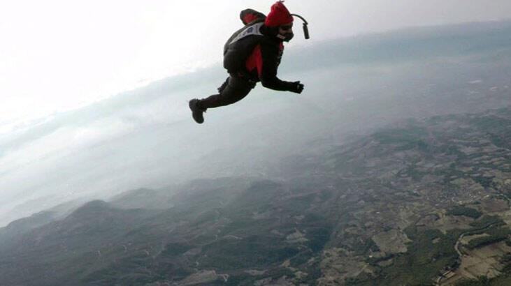 Hayko Cepkin, Pamukkale'de balondan paraşütle atladı