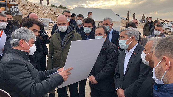 Bakan Soylu, İdlib'de yapımı süren briket evleri inceledi