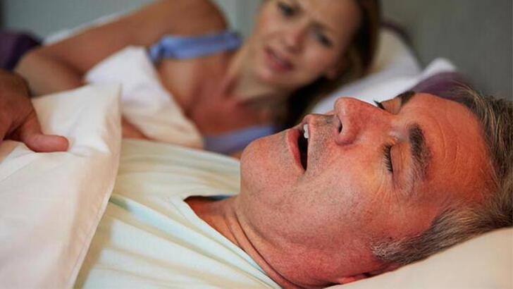Horlama nasıl geçer, horlama tedavisi nasıl yapılır? Evde doğal çözüm önerileri