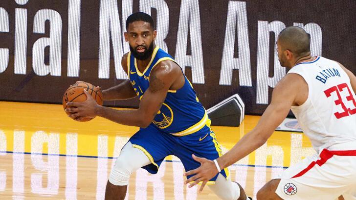 NBA'de Golden State Warriors, 22 sayı geriden gelerek kazandı