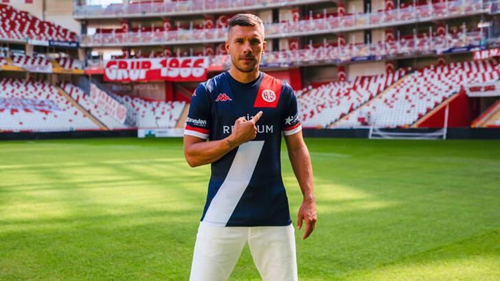 Podolski ve Veysel Trabzonspor maçında yok