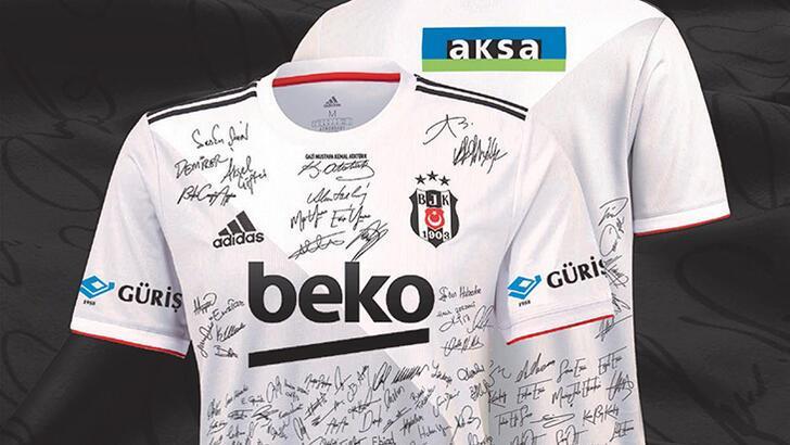 Son dakika - Taraftar imzaladı Beşiktaş'ta futbolcular giyecek