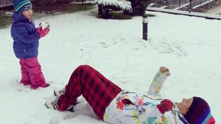 Ceyda Düvenci'nin kar sevinci