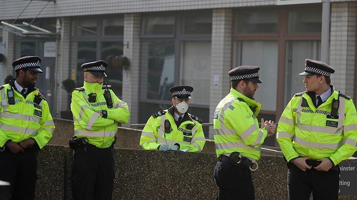 İngiltere'de Kovid-19 nedeniyle son 24 saatte 1280 kişi öldü