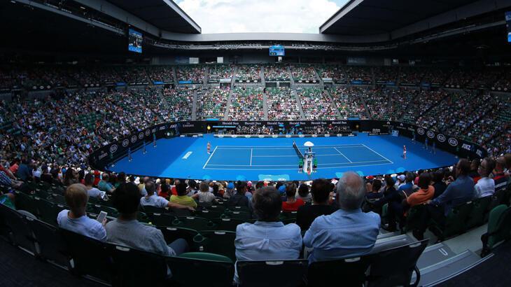 Avustralya Açık öncesinde 24 tenisçiye karantina