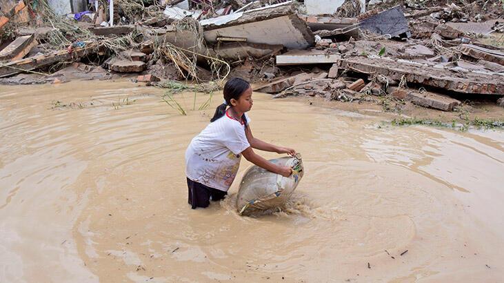 Endonezya'da sel ve heyelan: 5 ölü