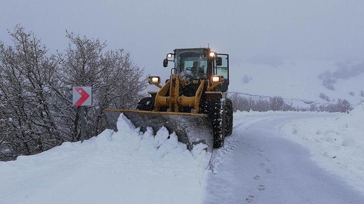 Sivas'ta 177 köy yolu kar nedeniyle ulaşıma kapandı