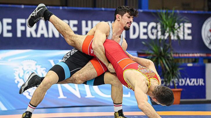 Grekoromen Güreş Milli Takımı, Fransa'da şampiyon oldu