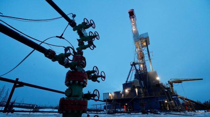 Rusya'nın petrol gelirleri düşüyor