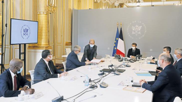 Fransa'da tartışmalı tüzük kabul edildi
