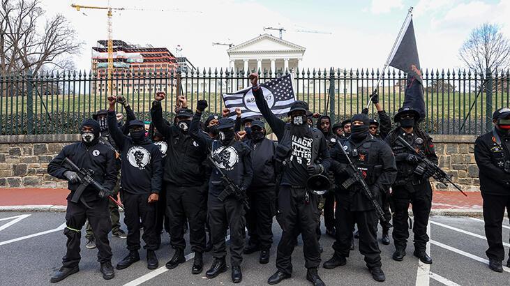 Virginia'da karşıt görüşlü silahlı grupların gösterileri olaysız geçti