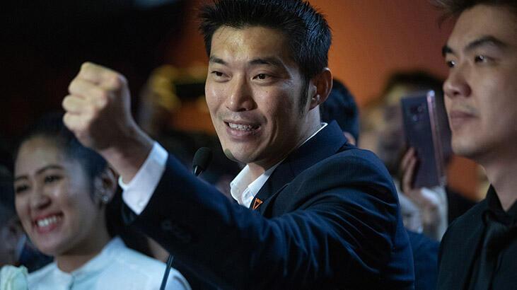 Tayland'da yasaklı muhalif lidere Kral'a hakaret suçlaması