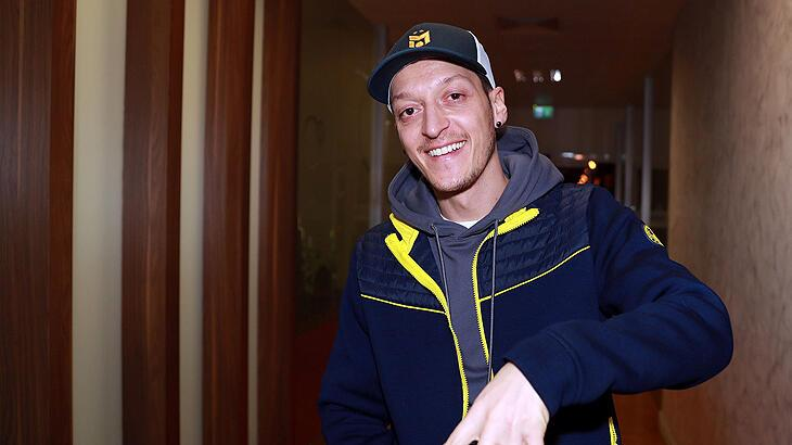 Son dakika   Mesut Özil'in forma giyeceği maç belli oldu