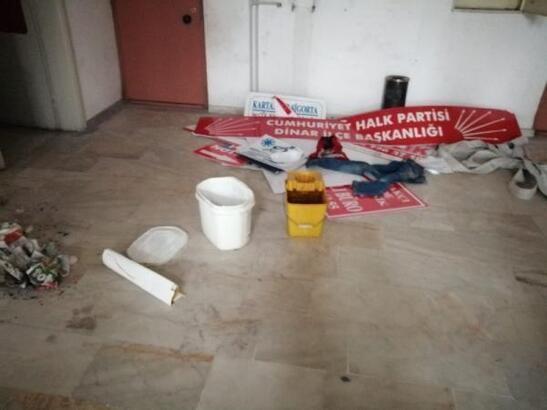 İş merkezindeki tabelaları söküp, zarar veren belirlendi