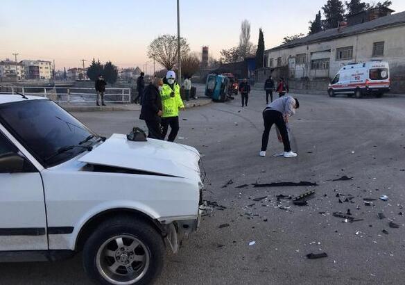 Burdur'da trafik kazası: 2 yaralı