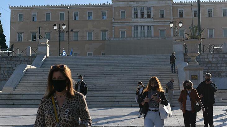 Yunanistan'da Kovid-19 nedeniyle kapalı olan ortaokul ve liseler, 1 Şubat'ta açılacak