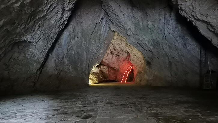 Oylat Mağarası'nda sıcaklık kışın bile 18 derece