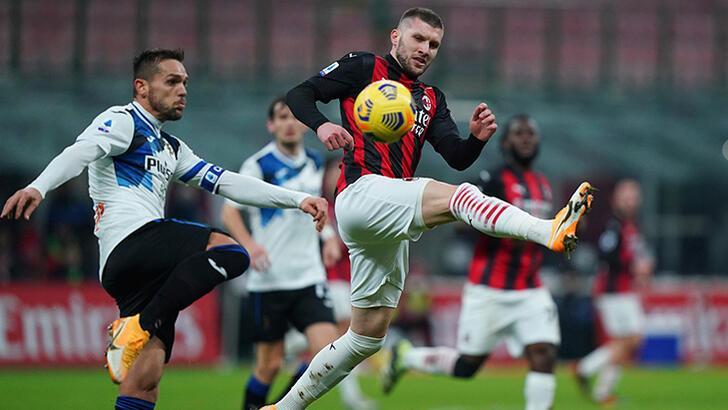 Lider Milan yenildi, takipçisi Inter fırsat tepti