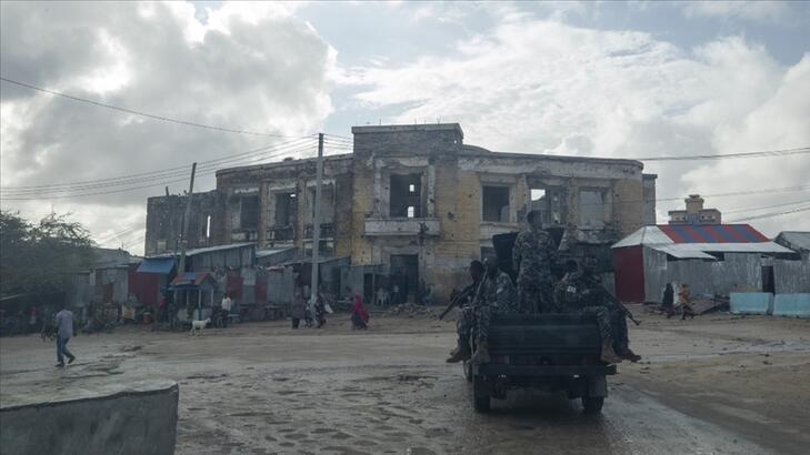 Somali'de ulusal ordu ile Jubaland askerleri çatışmaya başladı